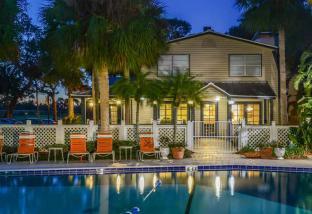 Somerset Apartments in Largo, FL